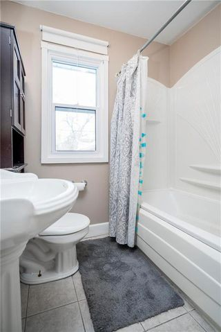 Photo 11: 947 Waterford Avenue in Winnipeg: East Fort Garry Residential for sale (1J)  : MLS®# 1930596