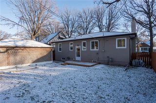 Photo 18: 947 Waterford Avenue in Winnipeg: East Fort Garry Residential for sale (1J)  : MLS®# 1930596