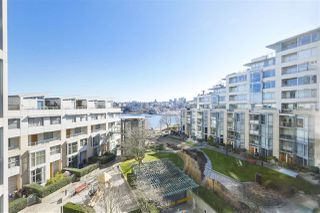 "Photo 10: 605 1228 MARINASIDE Crescent in Vancouver: Yaletown Condo for sale in ""CRESTMARK II"" (Vancouver West)  : MLS®# R2427268"