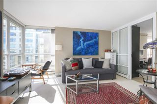 "Photo 4: 605 1228 MARINASIDE Crescent in Vancouver: Yaletown Condo for sale in ""CRESTMARK II"" (Vancouver West)  : MLS®# R2427268"
