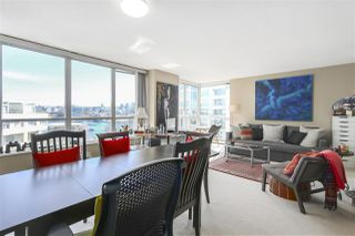 "Photo 5: 605 1228 MARINASIDE Crescent in Vancouver: Yaletown Condo for sale in ""CRESTMARK II"" (Vancouver West)  : MLS®# R2427268"