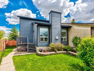 Main Photo: 152 PINEMEADOW Road NE in Calgary: Pineridge Semi Detached for sale : MLS®# C4305592