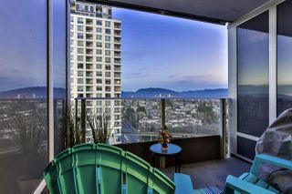 """Photo 12: 1904 5665 BOUNDARY Road in Vancouver: Collingwood VE Condo for sale in """"Wall Centre Central Park"""" (Vancouver East)  : MLS®# R2522154"""