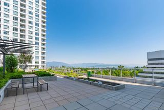 """Photo 17: 1904 5665 BOUNDARY Road in Vancouver: Collingwood VE Condo for sale in """"Wall Centre Central Park"""" (Vancouver East)  : MLS®# R2522154"""