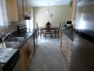 Photo 4: 1241 Foxwood Lane in Kamloops: Barnhartvale House for sale : MLS®# 115065
