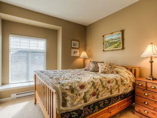 Photo 7: 19669 BLANEY Drive in Pitt Meadows: South Meadows House for sale : MLS®# V998547