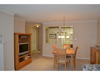 "Photo 5: 310 15350 19A Avenue in Surrey: King George Corridor Condo for sale in ""Stratford Gardens"" (South Surrey White Rock)  : MLS®# F1409599"