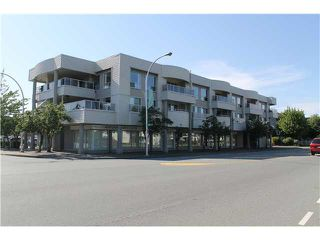 """Photo 2: 310 13771 72A Avenue in Surrey: East Newton Condo for sale in """"NEW TOWN PLAZA"""" : MLS®# F1422536"""