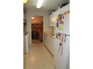 """Photo 5: 310 13771 72A Avenue in Surrey: East Newton Condo for sale in """"NEW TOWN PLAZA"""" : MLS®# F1422536"""
