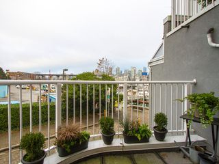 "Photo 18: 1592 ISLAND PARK Walk in Vancouver: False Creek Townhouse for sale in ""LAGOONS"" (Vancouver West)  : MLS®# V1099043"