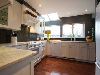 "Photo 16: 1592 ISLAND PARK Walk in Vancouver: False Creek Townhouse for sale in ""LAGOONS"" (Vancouver West)  : MLS®# V1099043"