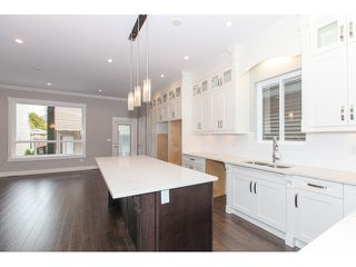 Photo 3: 5988 131ST Street in Surrey: Panorama Ridge House for sale : MLS®# F1433933