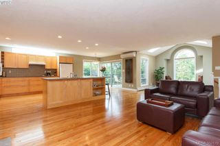 Photo 9: 1103 Praisewood Terr in VICTORIA: SE Broadmead House for sale (Saanich East)  : MLS®# 703930
