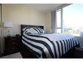"""Photo 6: 1003 1033 MARINASIDE Crescent in Vancouver: Yaletown Condo for sale in """"Quaywest"""" (Vancouver West)  : MLS®# V1143439"""