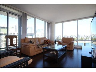 """Photo 4: 1003 1033 MARINASIDE Crescent in Vancouver: Yaletown Condo for sale in """"Quaywest"""" (Vancouver West)  : MLS®# V1143439"""