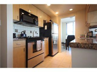 """Photo 7: 1003 1033 MARINASIDE Crescent in Vancouver: Yaletown Condo for sale in """"Quaywest"""" (Vancouver West)  : MLS®# V1143439"""