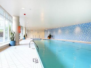 """Photo 10: 1003 1033 MARINASIDE Crescent in Vancouver: Yaletown Condo for sale in """"Quaywest"""" (Vancouver West)  : MLS®# V1143439"""