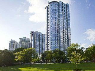 """Photo 1: 1003 1033 MARINASIDE Crescent in Vancouver: Yaletown Condo for sale in """"Quaywest"""" (Vancouver West)  : MLS®# V1143439"""