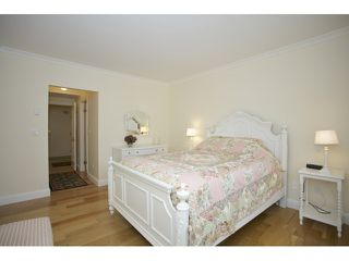 """Photo 14: 201 1255 BEST Street: White Rock Condo for sale in """"The Ambassador"""" (South Surrey White Rock)  : MLS®# R2025902"""