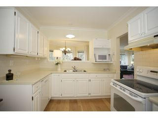 """Photo 10: 201 1255 BEST Street: White Rock Condo for sale in """"The Ambassador"""" (South Surrey White Rock)  : MLS®# R2025902"""
