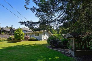 "Photo 2: 13954 CRESCENT Road in Surrey: Elgin Chantrell House for sale in ""ELGIN/CHANTRELL"" (South Surrey White Rock)  : MLS®# R2066476"
