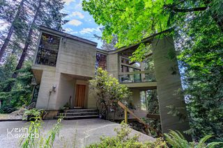 Photo 2: 4013 ROSE Crescent in West Vancouver: Sandy Cove House for sale : MLS®# R2084657