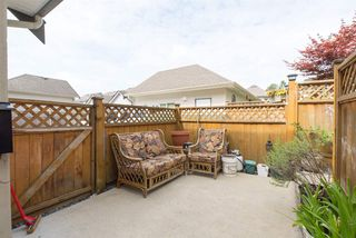 """Photo 5: 19495 70A Avenue in Surrey: Clayton House for sale in """"CLOVERDALE"""" (Cloverdale)  : MLS®# R2089947"""