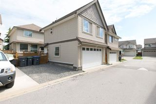 """Photo 3: 19495 70A Avenue in Surrey: Clayton House for sale in """"CLOVERDALE"""" (Cloverdale)  : MLS®# R2089947"""