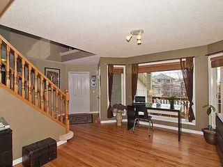 Photo 9: 126 ROCKY RIDGE Drive NW in Calgary: 2 Storey for sale : MLS®# C3520627