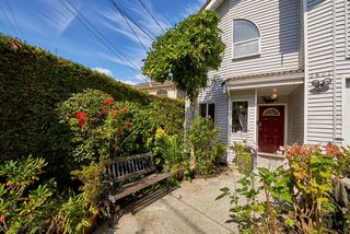 Photo 4: 2827 WALL Street in Vancouver: Hastings East House for sale (Vancouver East)  : MLS®# R2107634
