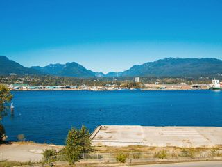 Photo 6: 2827 WALL Street in Vancouver: Hastings East House for sale (Vancouver East)  : MLS®# R2107634