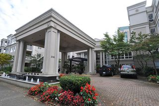 Photo 16: 449 3098 GUILDFORD Way in Coquitlam: North Coquitlam Condo for sale : MLS®# R2114178