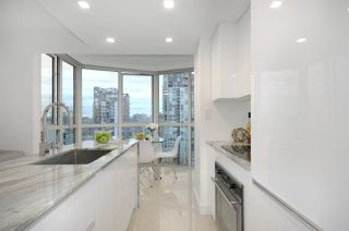 "Photo 10: 1907 1188 HOWE Street in Vancouver: Downtown VW Condo for sale in ""1188 Howe"" (Vancouver West)  : MLS®# R2132666"