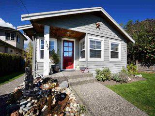 """Photo 2: 1733 BEACH GROVE Road in Delta: Beach Grove House for sale in """"BEACH GROVE"""" (Tsawwassen)  : MLS®# R2157549"""
