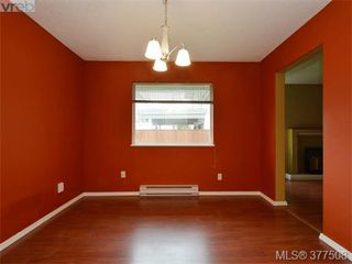 Photo 5: B 1706 Kings Rd in VICTORIA: Vi Jubilee Half Duplex for sale (Victoria)  : MLS®# 757946