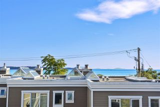"""Photo 4: 14832 BEACHVIEW Avenue: White Rock Townhouse for sale in """"Marine Court"""" (South Surrey White Rock)  : MLS®# R2196404"""