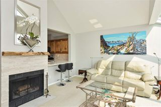 """Photo 10: 14832 BEACHVIEW Avenue: White Rock Townhouse for sale in """"Marine Court"""" (South Surrey White Rock)  : MLS®# R2196404"""