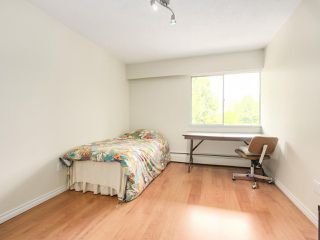 Photo 10: 606 1425 ESQUIMALT AVENUE in West Vancouver: Ambleside Condo for sale : MLS®# R2194722