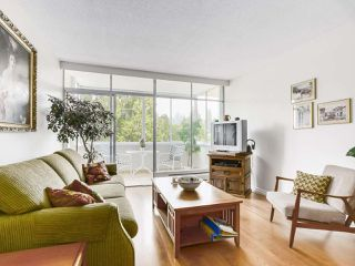 Photo 4: 606 1425 ESQUIMALT AVENUE in West Vancouver: Ambleside Condo for sale : MLS®# R2194722