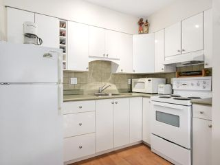 Photo 8: 606 1425 ESQUIMALT AVENUE in West Vancouver: Ambleside Condo for sale : MLS®# R2194722