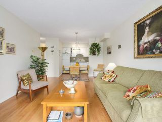 Photo 6: 606 1425 ESQUIMALT AVENUE in West Vancouver: Ambleside Condo for sale : MLS®# R2194722