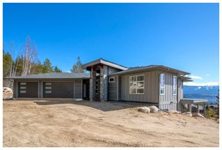Main Photo: 4881 Northwest 56 Street in Salmon Arm: Gleneden House for sale : MLS®# 10155356
