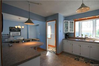Photo 9: 3 Pembridge Bay in Winnipeg: Meadowood Residential for sale (2E)  : MLS®# 1804115