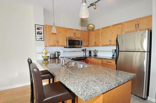 "Photo 9: 302 12350 HARRIS Road in Pitt Meadows: Mid Meadows Condo for sale in ""Keystone"" : MLS®# R2278984"