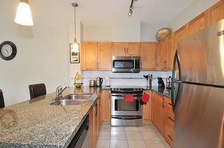 "Photo 7: 302 12350 HARRIS Road in Pitt Meadows: Mid Meadows Condo for sale in ""Keystone"" : MLS®# R2278984"