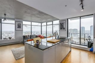 "Photo 2: 1904 108 W CORDOVA Street in Vancouver: Downtown VW Condo for sale in ""WOODWARDS"" (Vancouver West)  : MLS®# R2283214"