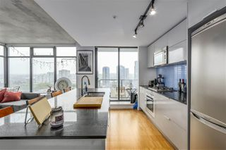 "Photo 3: 1904 108 W CORDOVA Street in Vancouver: Downtown VW Condo for sale in ""WOODWARDS"" (Vancouver West)  : MLS®# R2283214"