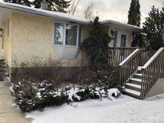 Photo 2: 11347 111 Avenue NW in Edmonton: Zone 08 House for sale : MLS®# E4135515