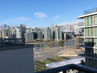 """Photo 4: 1505 1833 CROWE Street in Vancouver: False Creek Condo for sale in """"FOUNDARY"""" (Vancouver West)  : MLS®# R2335673"""