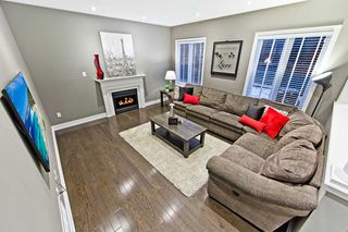 Photo 4: 995 Ernest Cousins Circle in Newmarket: Stonehaven-Wyndham House (2-Storey) for sale : MLS®# N4356964